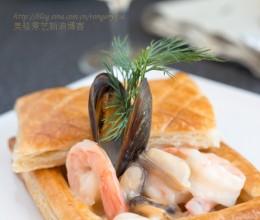早春的清新菜海鲜酥皮盅Feuilletésauxfruitsdemer
