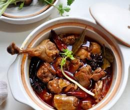 【红油酱汁焖鸭】3要点做酱味浓郁,咸鲜香辣的馋嘴鸭!