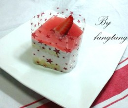 #春天烘焙季#——草莓乳酪慕斯
