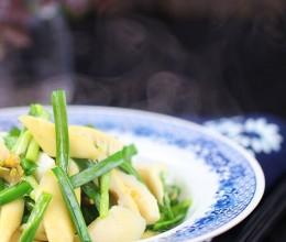 清明时节食最鲜嫩的春笋炒韭菜