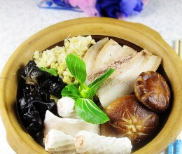 豪爽大气的家庭版---酸菜白肉火锅