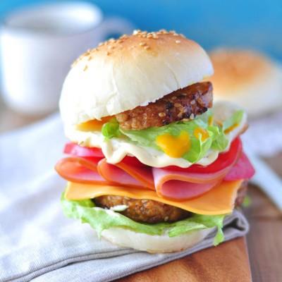 #春天烘焙季#正能量汉堡包——周末春游的土豪版野餐