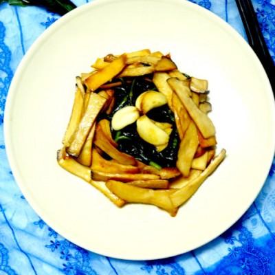 鲜菌新吃法【杏鲍菇扒红背菜】
