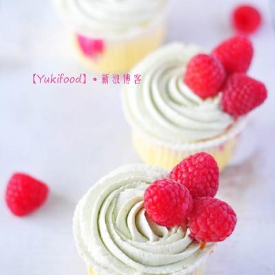#春天烘焙季#抹茶杯子蛋糕——清新茶香与铿锵玫瑰的邂逅