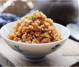 #美食感恩季#『酱油炒饭』黑黝黝的老爸味儿