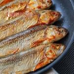 舌尖上的達里湖華子魚【香煎華子魚】