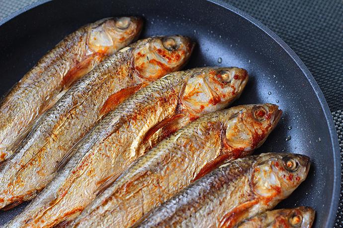 舌尖上的达里湖华子鱼【香煎华子鱼】