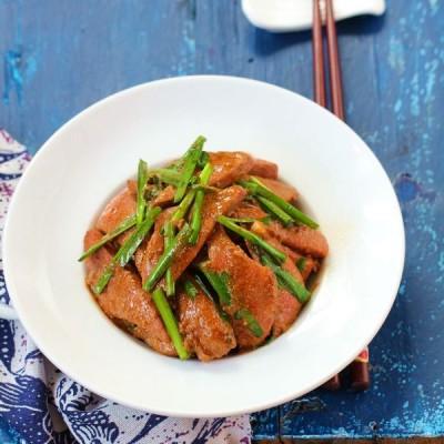 如何打造鲜嫩的猪肝炒韭菜