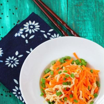 荤素完美搭配的胡萝卜炒鸡丝