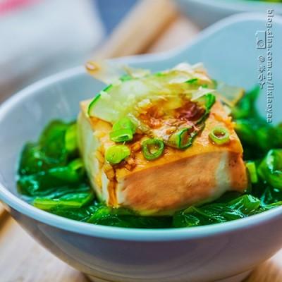 夏日清爽小菜——裙带菜蒸拌嫩豆腐