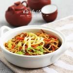 夏日清爽的快手炒面——杂蔬肉丝炒面