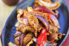 夏日午夜最好一口的炭火孜然香——铁板孜然羊肉