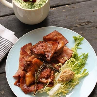 20分钟就搞定的简单西式烤鸡腿——迷迭香培根鸡腿
