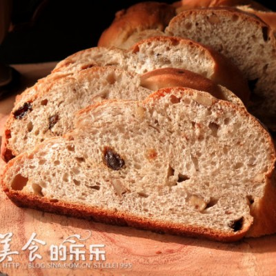 天然酵种葡萄干核桃面包---粗狂的二股辫子下有颗柔软的心