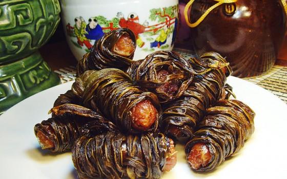 用干豆荚缠绕羊肉肠的唐代功夫菜