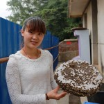 老山美食:香喷喷的马蜂蛹