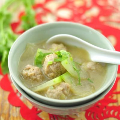 浓香不腻喝一口暖彻心扉的入冬菜——冬瓜丸子汤