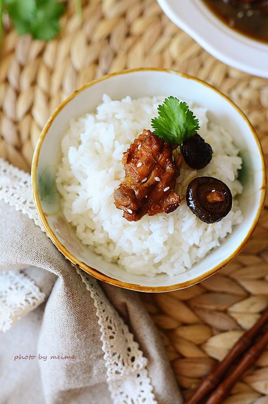 名字讨巧菜好吃---金钱菇炖鸡