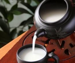 冬日润肺美颜佳品--杏仁茶&蛋白杏仁茶(滑嫩蛋白一点通)