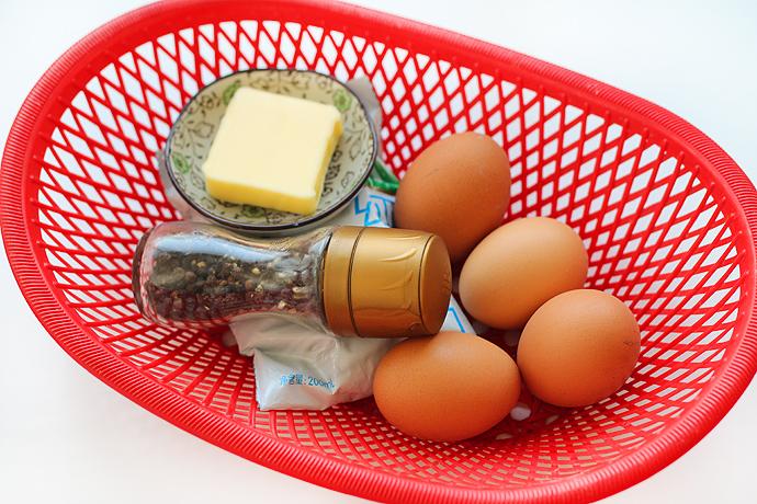 一分钟学会嫩滑无比的美式炒蛋