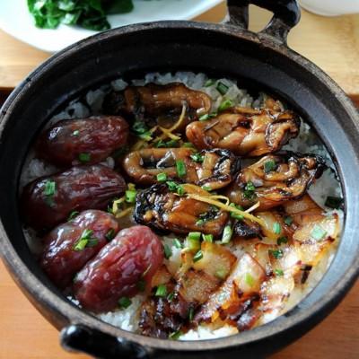 #九州筵席#新年好意头--金蚝腊味煲仔饭(轻松取锅巴的小窍门)