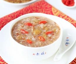益气补血延缓衰老的红米桂圆粥
