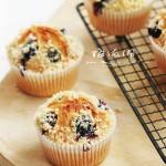 巧做酥香爆浆的酥粒蓝莓蛋糕