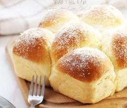 给面包泡个澡的浓香椰浆面包