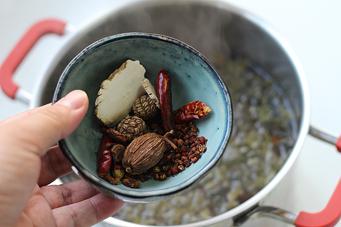 三个步骤做无敌好吃的茶叶蛋【秘制茶叶蛋】
