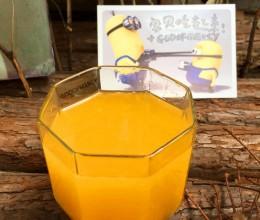 夏季排毒良方:增强活力的鲜榨橙汁