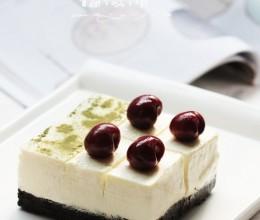 夏日令人着迷的酸奶冻芝士蛋糕