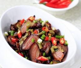 湘味四溢的酸豇豆炒腊肉