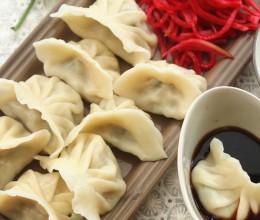 三伏天里的五香白菜猪肉饺