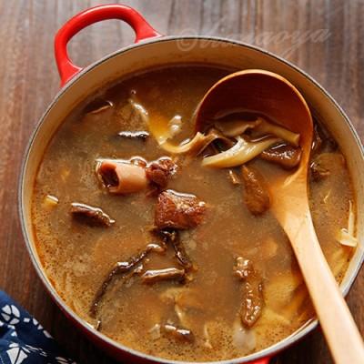 鲜香浓郁『菌菇火腿汤』