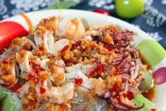 丝瓜怎么做好吃--丝瓜蒸小鲜鱿