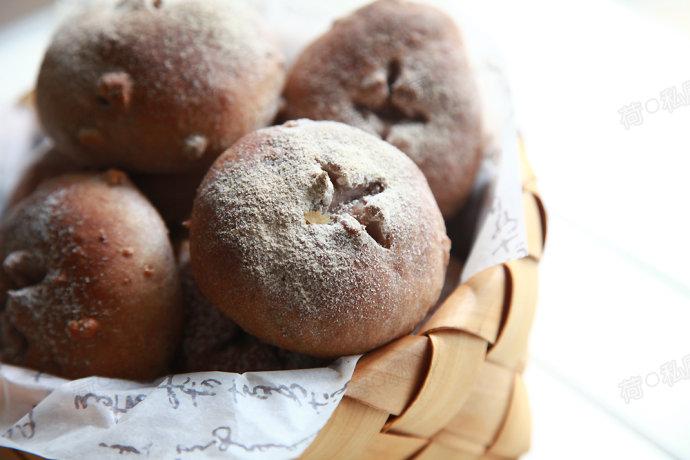 【黑麦核桃小餐包】——秋季养生首选面包