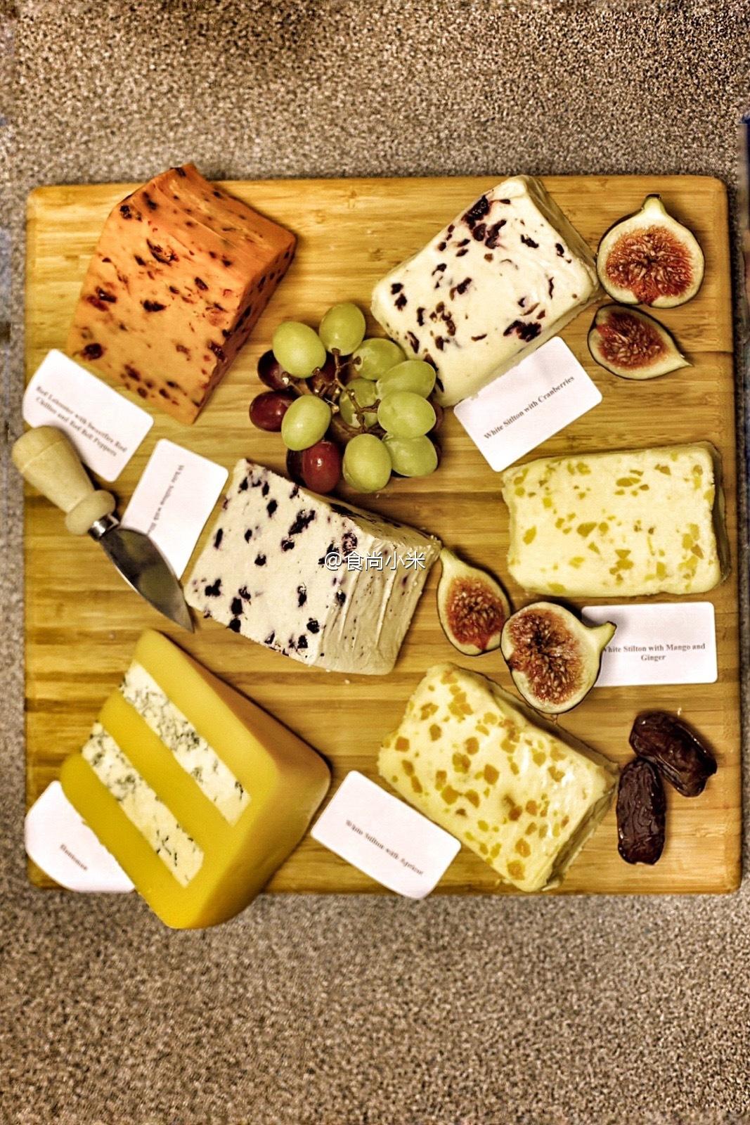 食尚小米探秘世界三大蓝纹奶酪中味道最浓烈的英国什么奶酪?
