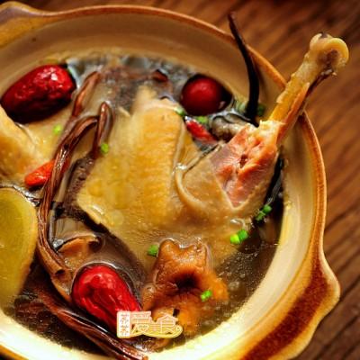 怎样炖出鲜美不油腻防感冒的鸡汤