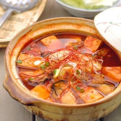 给冬季火锅一个不枯燥的理由——辣白菜牡蛎火锅