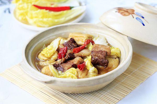冬季最温暖最贴膘的砂锅娃娃菜