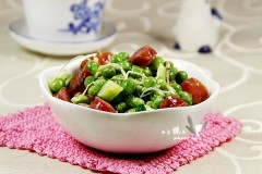 家常清爽小菜---香肠炒豌豆芽