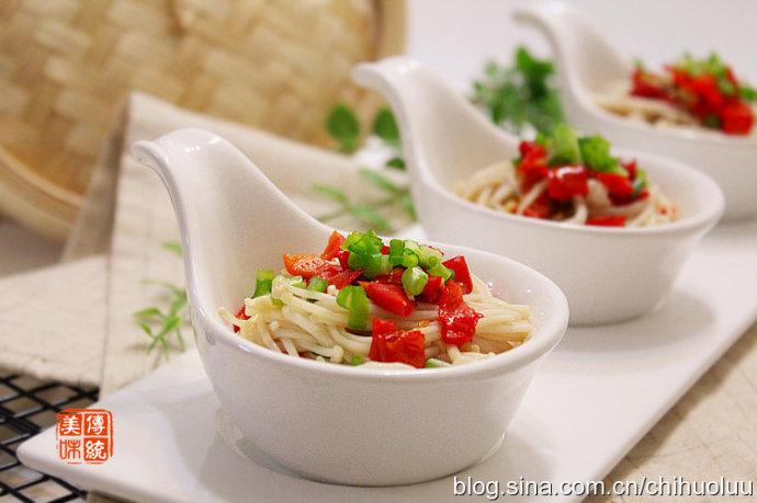 【剁椒金针菇】简简单单蒸一道可口的下饭菜