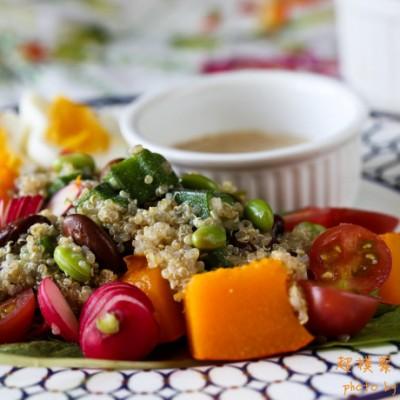 太阳神赐予的黄金食物---超模藜麦综合沙拉