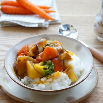 一锅搞定【蔬菜咖喱饭】:上班族偷懒快手菜