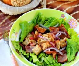 能吃饱的主食沙拉:面包杂蔬沙拉