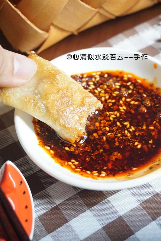 三伏天省时省事的【猪肉香菜锅贴】