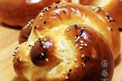 蛋捲麵包.