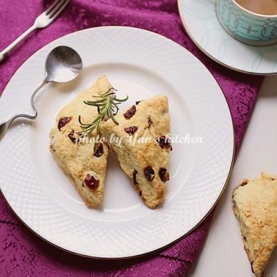 英国最引以为豪的十大甜食之首--司康饼(附英式下午茶文化之旅)