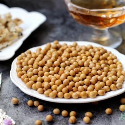 只用几滴油就可以做酥脆而不糊的香酥黄豆