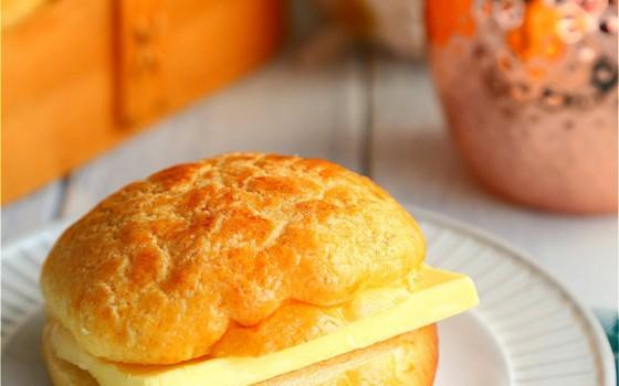 茶餐厅里最受欢迎的冰火菠萝油